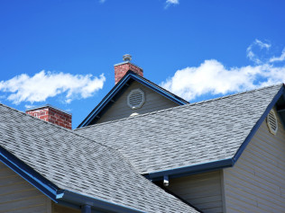 Our roofing contractors are experts in residential roofing repair, seamless gutter installation, and gutter replacement service in Edmonds, WA